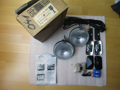 Ascona & Manta-B/ Einbausatz Nebelscheinwerfer / Installation kit for fog lights front