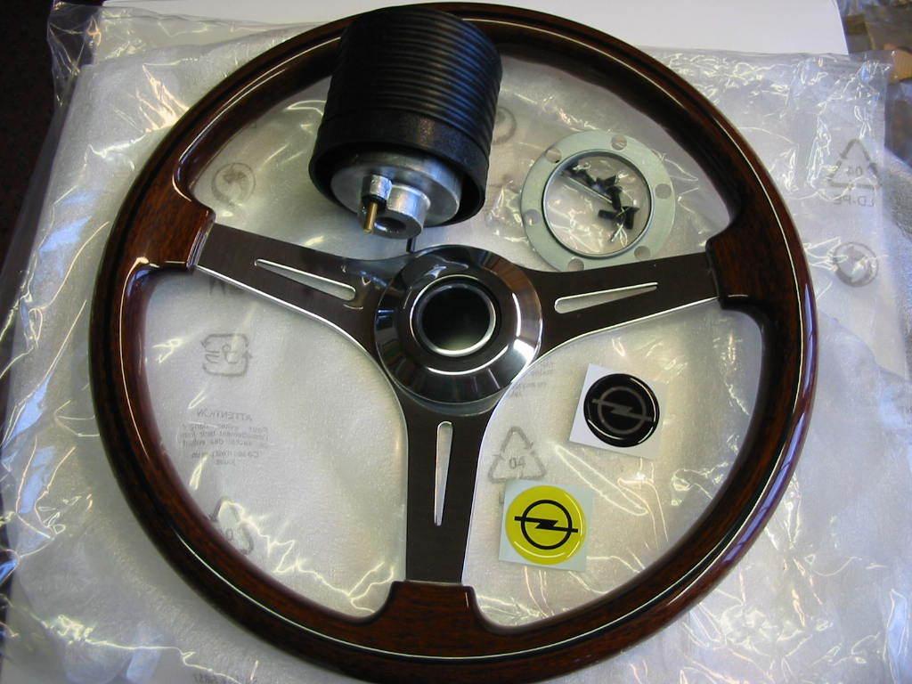 holzlenkrad ascona manta a 370mm wooden steering wheel. Black Bedroom Furniture Sets. Home Design Ideas