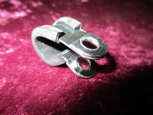 Befestigungsklammer 8mm / Mounting clip 8mm for fuel pipe 8mm